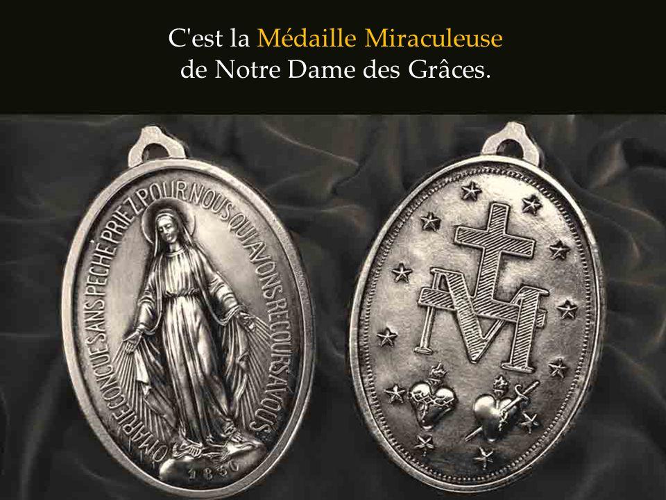 Mais quelle est donc cette médaille? Qui a reçu une telle promesse de la Vierge Marie?