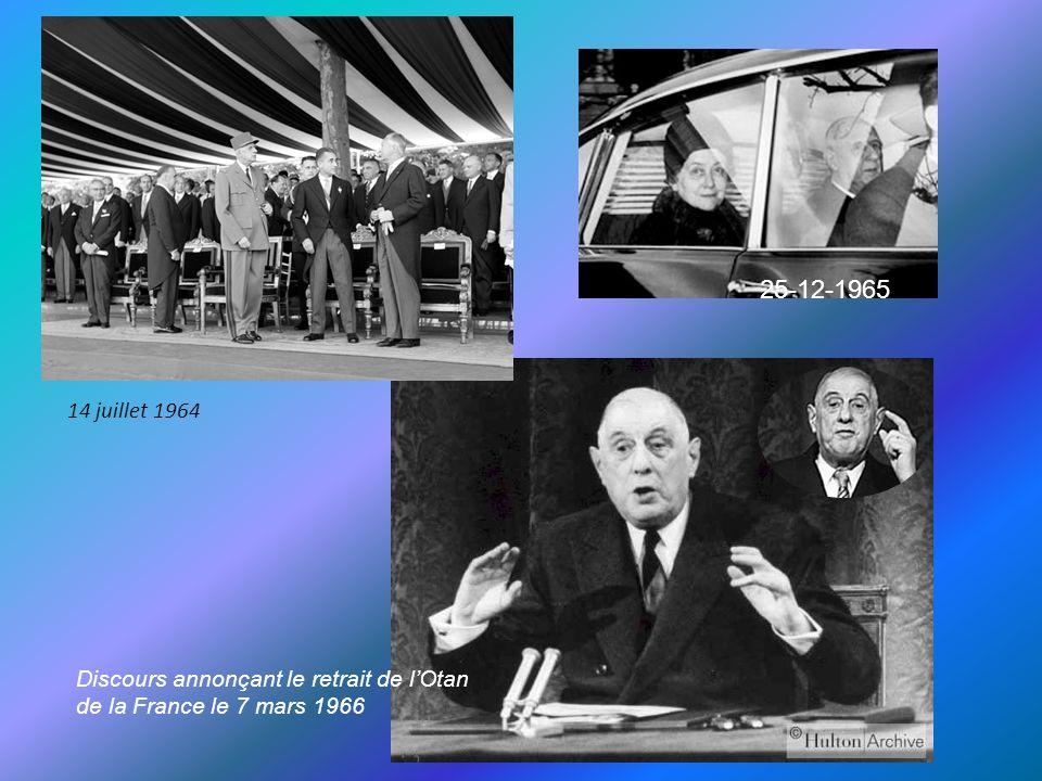 Attentat du petit Clamart 1962 1962 tour France passant à Colombey Adenauer et Charles de Gaulle 1963 Durant ses deux mandats le général de Gaulle échappa par trois fois à des tentatives d assassinats, dont le plus célèbre reste celui du Petit Clamart, organisé par des membres de l OAS, hostiles à la politique du général en Algérie.
