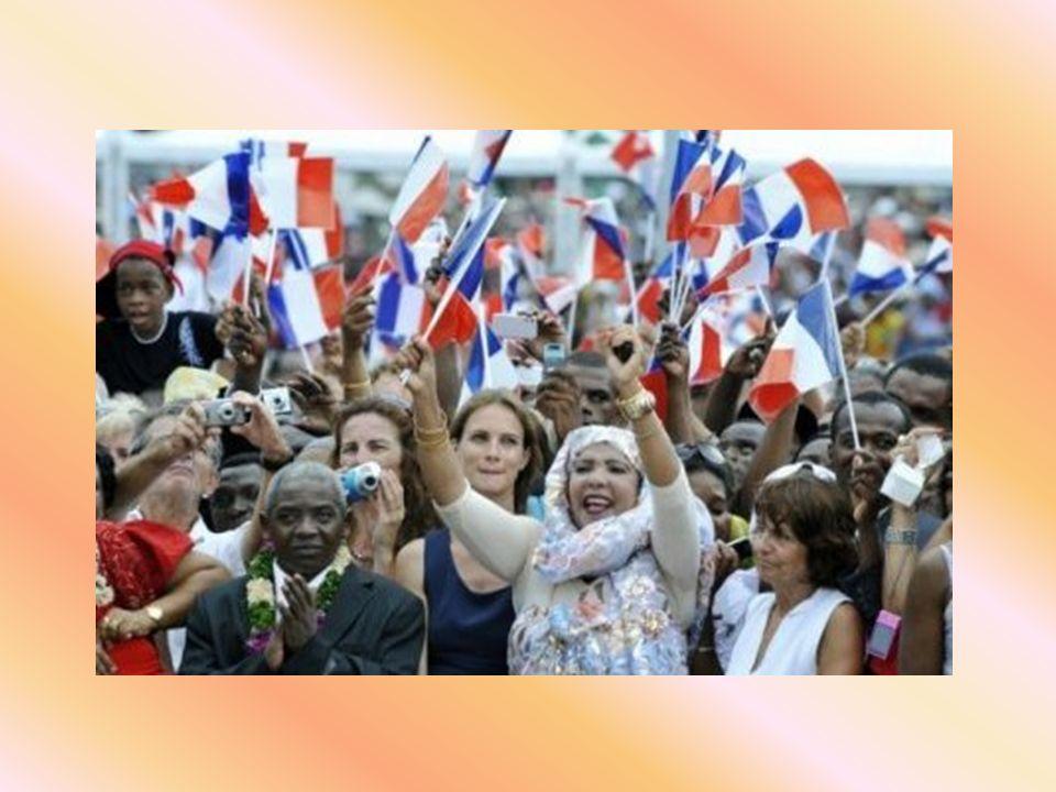 En effet, un grand nombre de femmes immigrées des pays limitrophes viennent y accoucher pour que leurs enfants, ayant de ce fait la nationalité française (droit du sol), elles puissent elles aussi, avec toute leur famille, bénéficier de tous les avantages liés à ce droit.