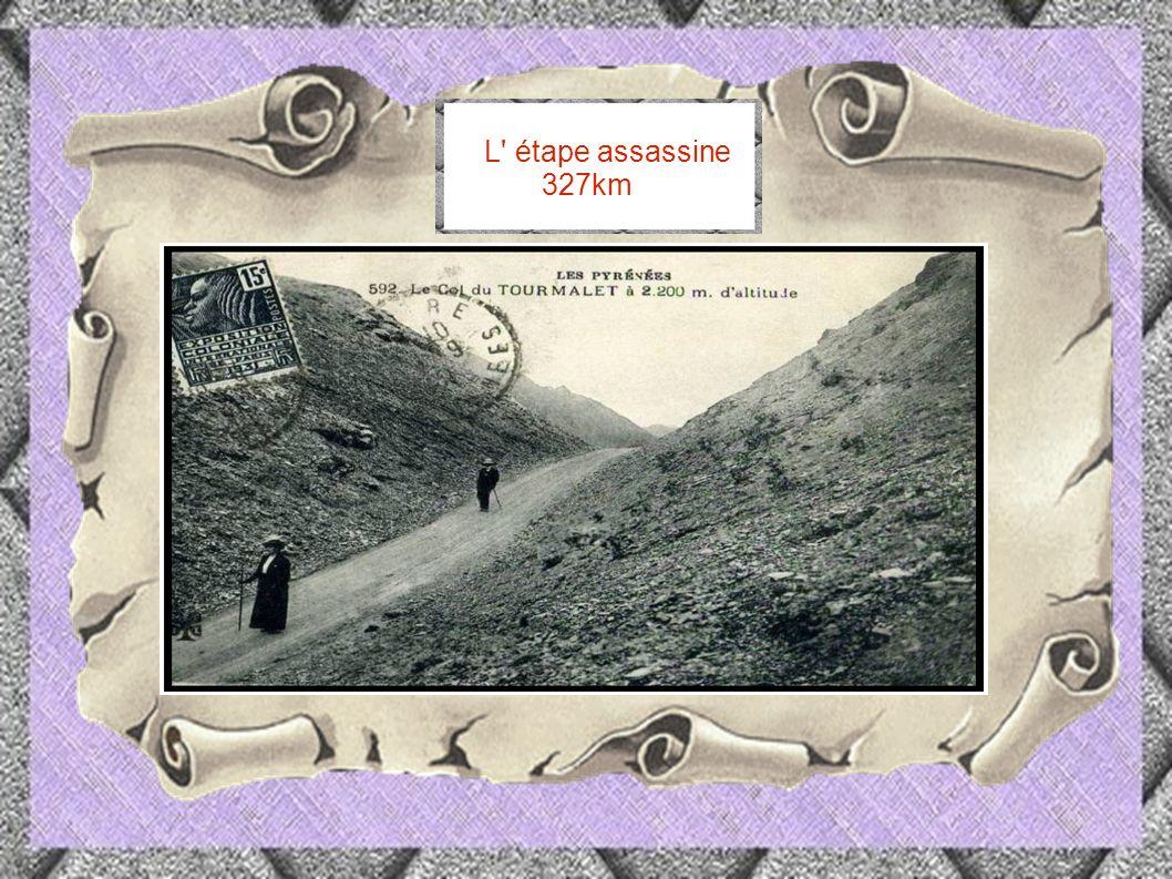 1913 l e Coureur Eugène Cristophe est renversé par une voiture dans la descente du Tourmalet.