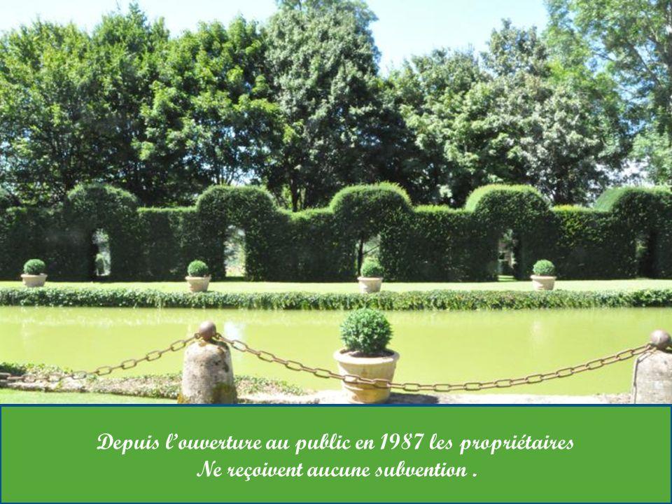 Ce jardin possède une collection unique de plus de 300 formes De sculptures végétales et 50.000 plants de buis.