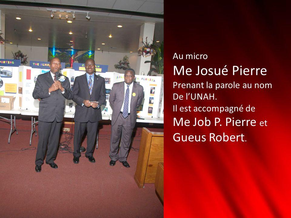 Au micro Me Josué Pierre Prenant la parole au nom De lUNAH. Il est accompagné de Me Job P. Pierre et Gueus Robert.