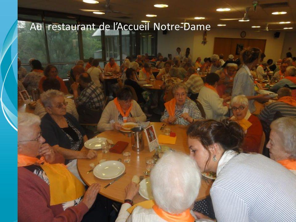 Au restaurant de lAccueil Notre-Dame