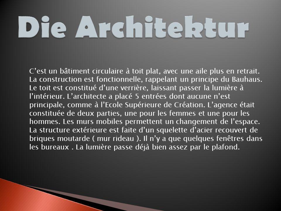 Nous voyons bien sur cette photo, les fenêtres horizontales, héritage direct du Bauhaus.