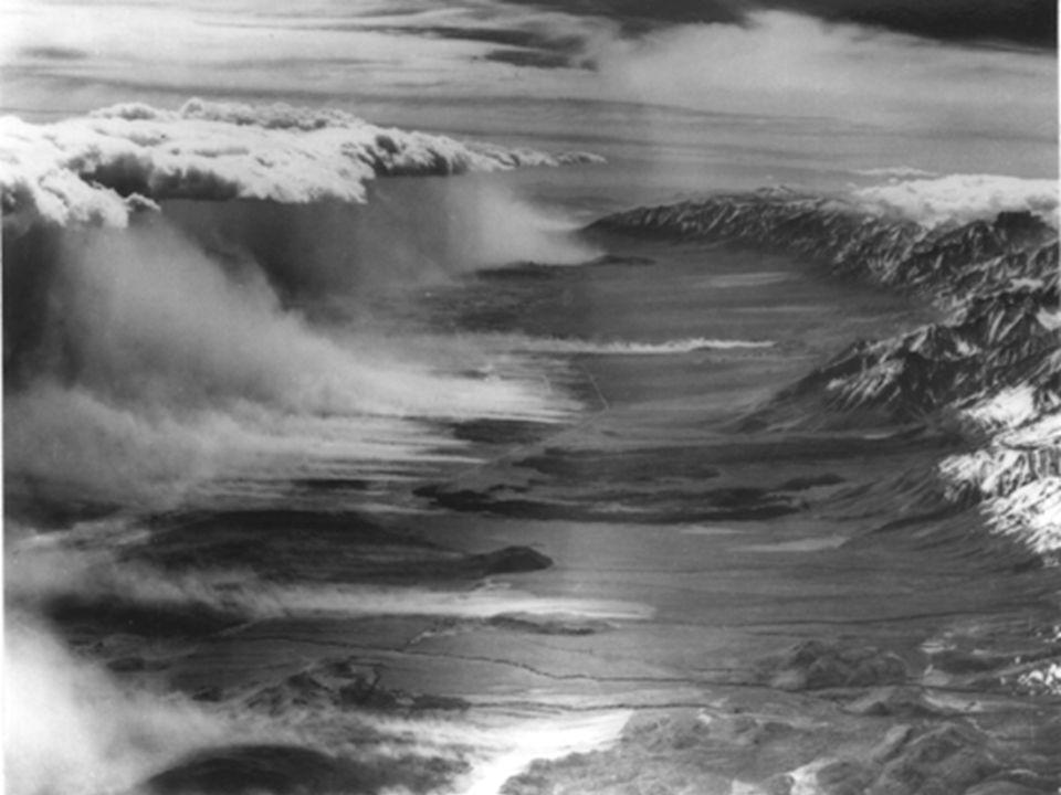 Inversion très favorable Profil thermique au vent du relief. Écoulement critique entre t o rre n t…F L EU V E… t o rre n t … h,V h,V H, v