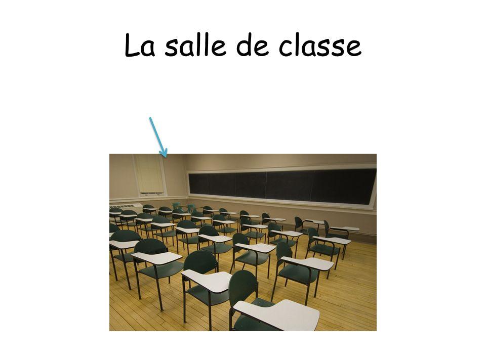La salle de classe Dans la salle de classe de Madame il y a …. …des cahiers