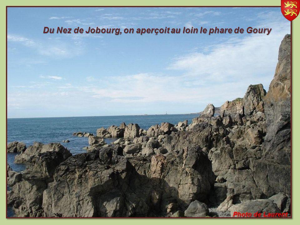 On peut également y visiter les trois grottes