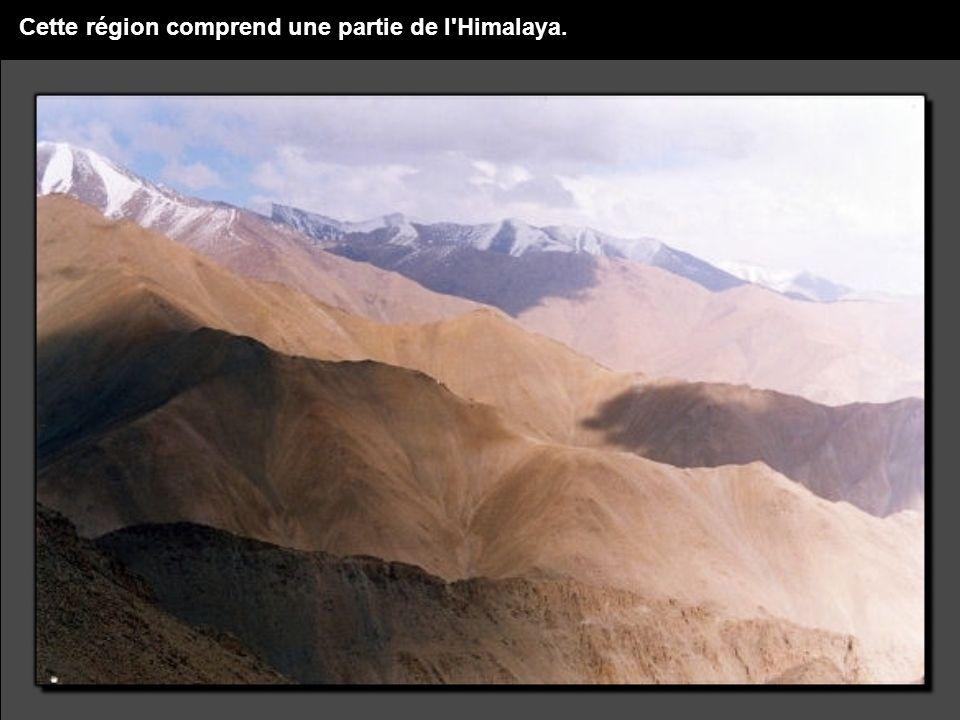 Cette région comprend une partie de l Himalaya.