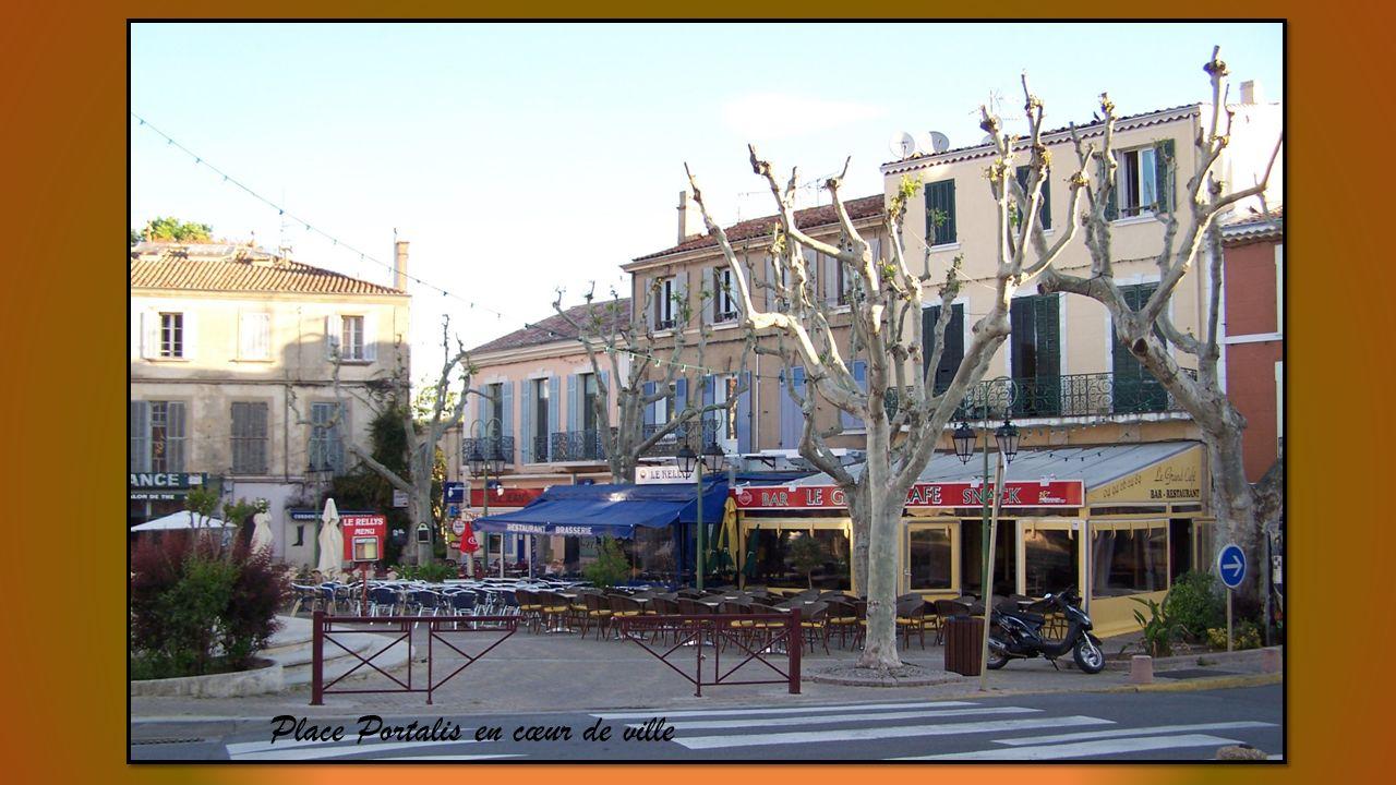 réunion de villages de charme et tranquillité entre Var et Bouches du Rhône