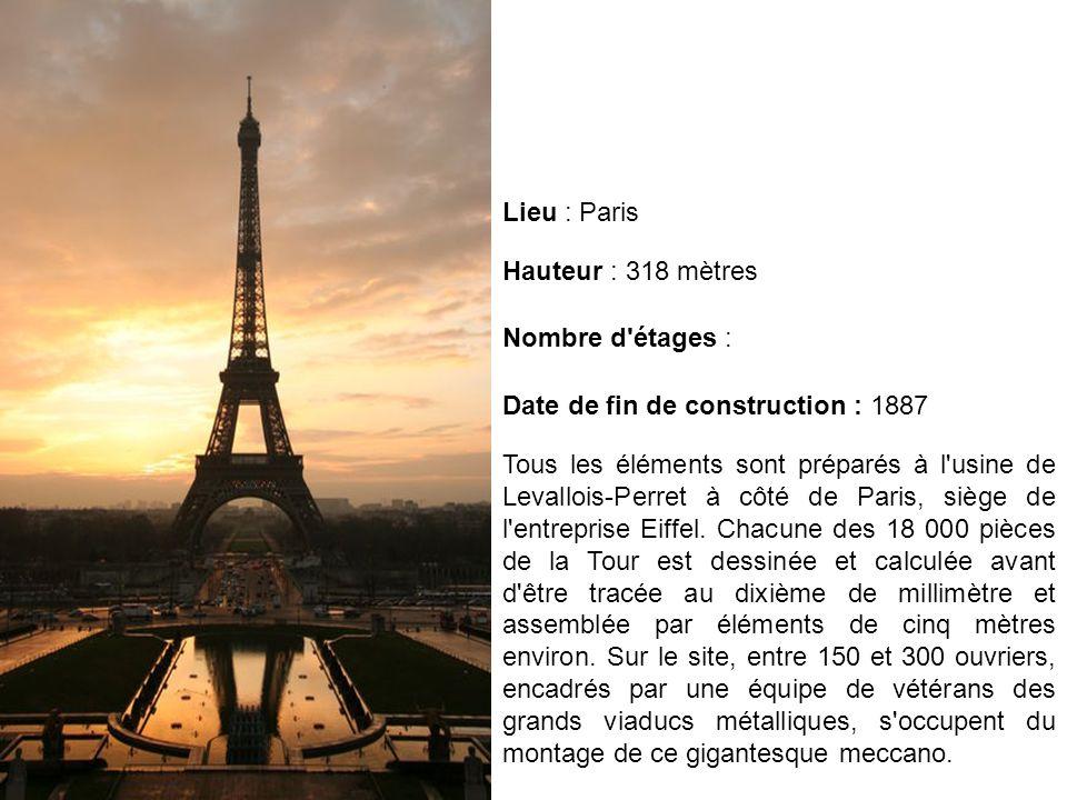 Tous les éléments sont préparés à l'usine de Levallois-Perret à côté de Paris, siège de l'entreprise Eiffel. Chacune des 18 000 pièces de la Tour est