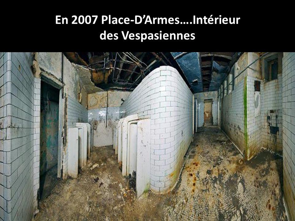 1960 Place-DArmes Vespasiennes
