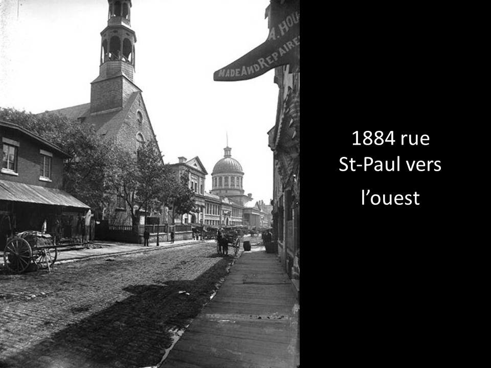 1930 Place-DArmes Vespasiennes