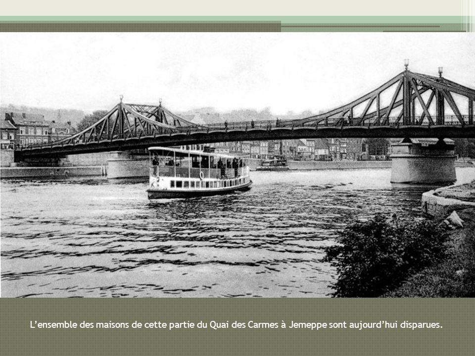 Lensemble des maisons de cette partie du Quai des Carmes à Jemeppe sont aujourdhui disparues.