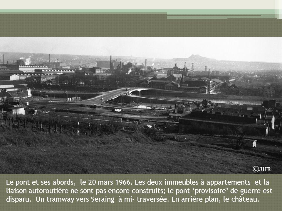 Le pont et ses abords, le 20 mars 1966. Les deux immeubles à appartements et la liaison autoroutière ne sont pas encore construits; le pont provisoire