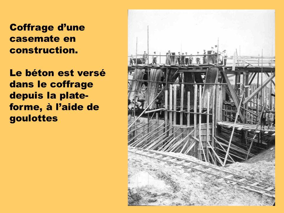 Coffrage dune casemate en construction.