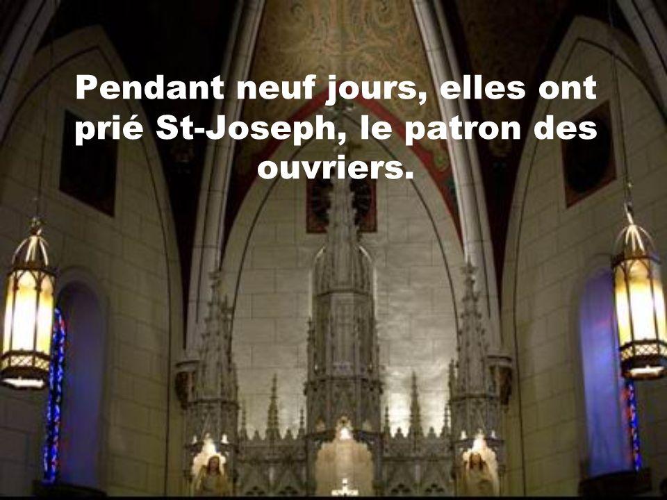 La chapelle a été construit au 19 e siècle. Quand la construction a été terminée, les religieuses se sont aperçues quil manquait un escalier pour accé
