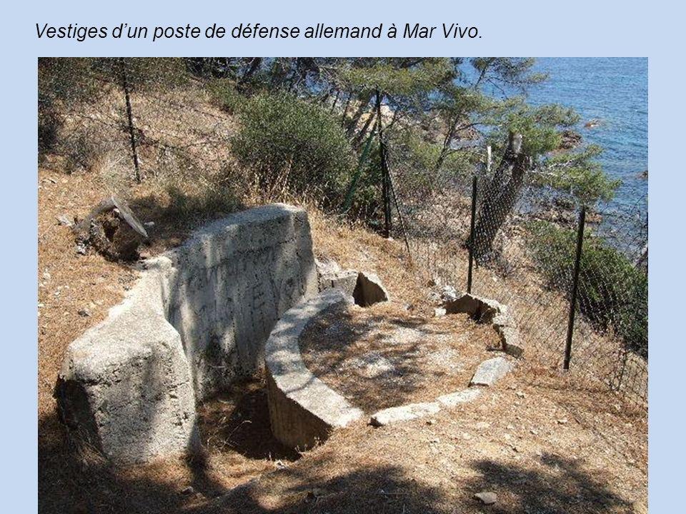 Vestiges dun poste de défense allemand à Mar Vivo.