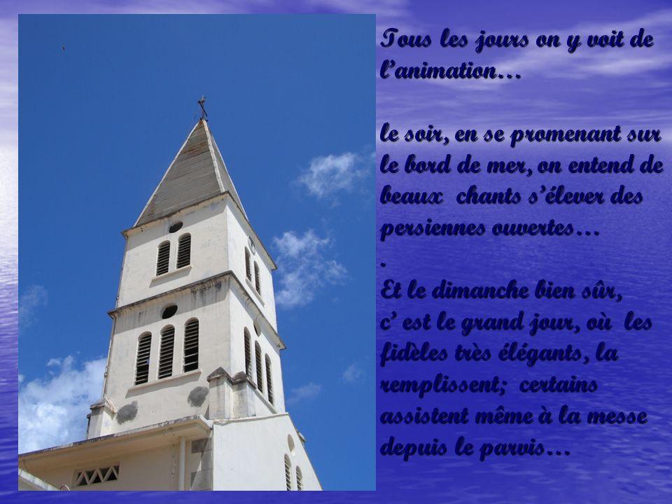 Et exactement dans le prolongement du ponton, léglise Saint Henri, lemblème des Anses dArlets… Limage carte postale, le cœur du village…