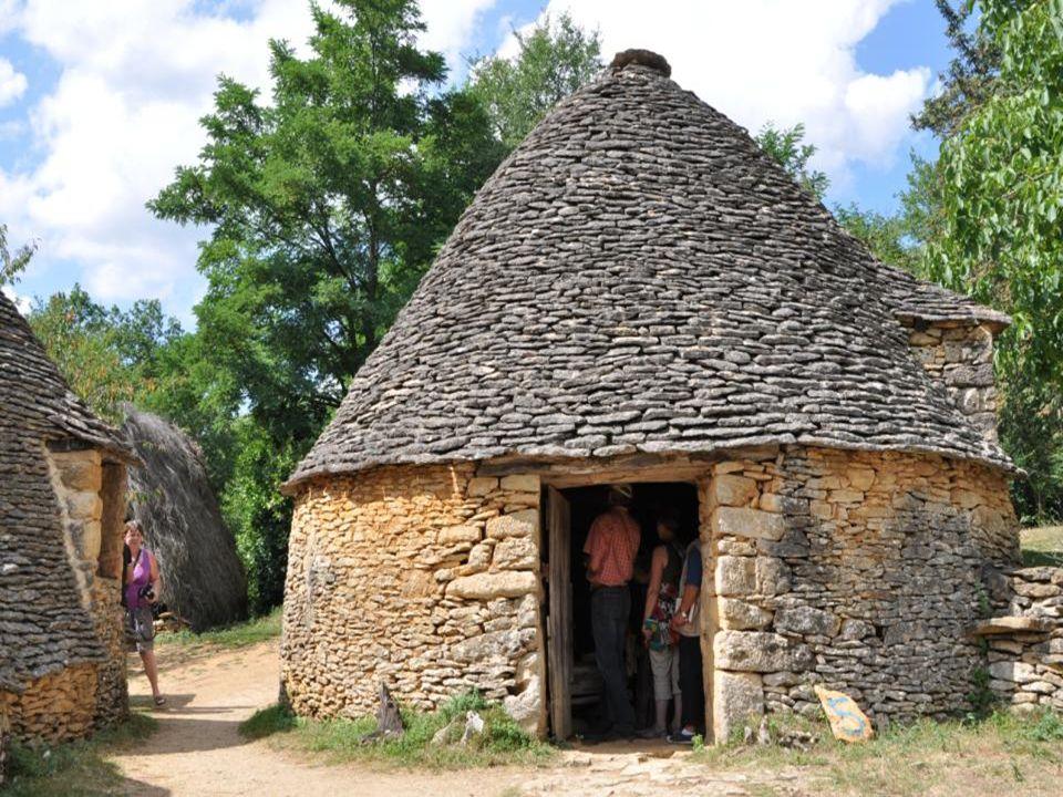 Lappellation » Cabanes du Breuil « Est celle danciennes annexes agricoles dune ferme située au lieudit Calpalmas à Saint André dallas en Dordogne.