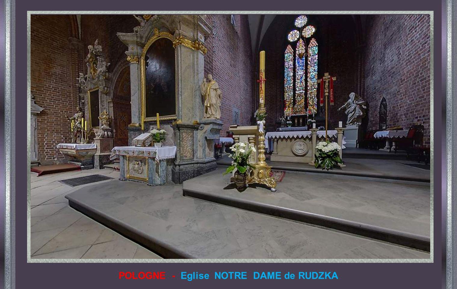 POLOGNE - Eglise paroissiale de SAINTE THÉRÈSE