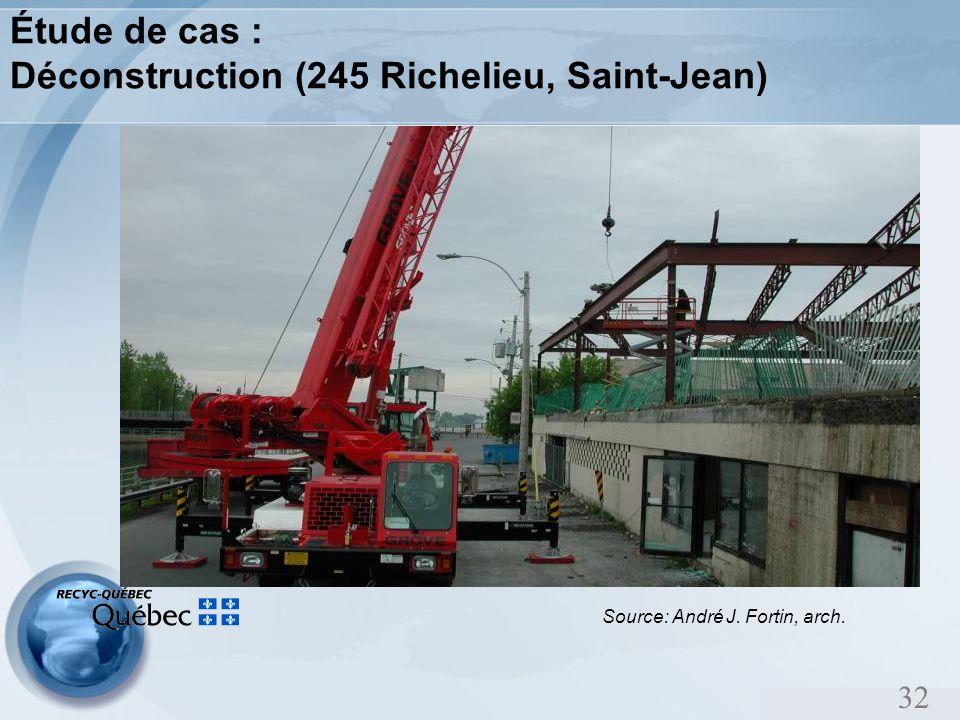 32 Étude de cas : Déconstruction (245 Richelieu, Saint-Jean) Source: André J. Fortin, arch.