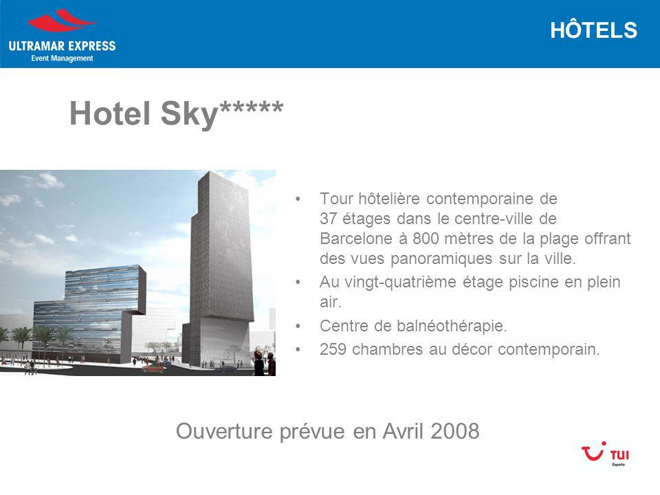 Hotel Sky***** Tour hôtelière contemporaine de 37 étages dans le centre-ville de Barcelone à 800 mètres de la plage offrant des vues panoramiques sur la ville.