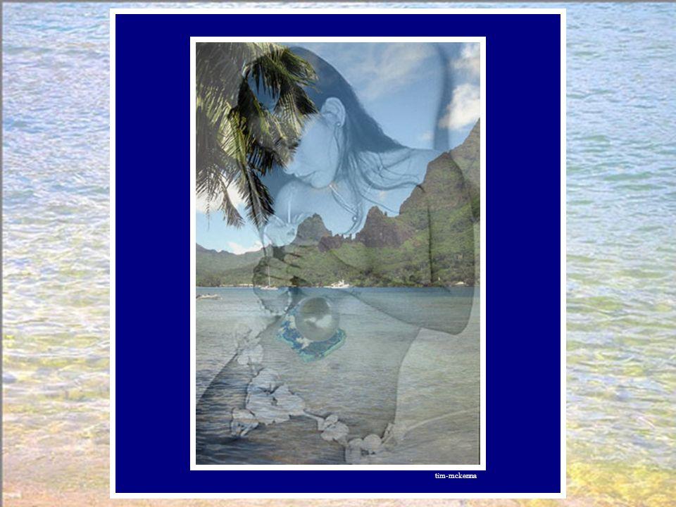 L'île à son tour s'enroule autour du sein de la femme. Une autre couche aragonite… La perle a pris sa forme parfaite, sa couleur est de ciel et de ter