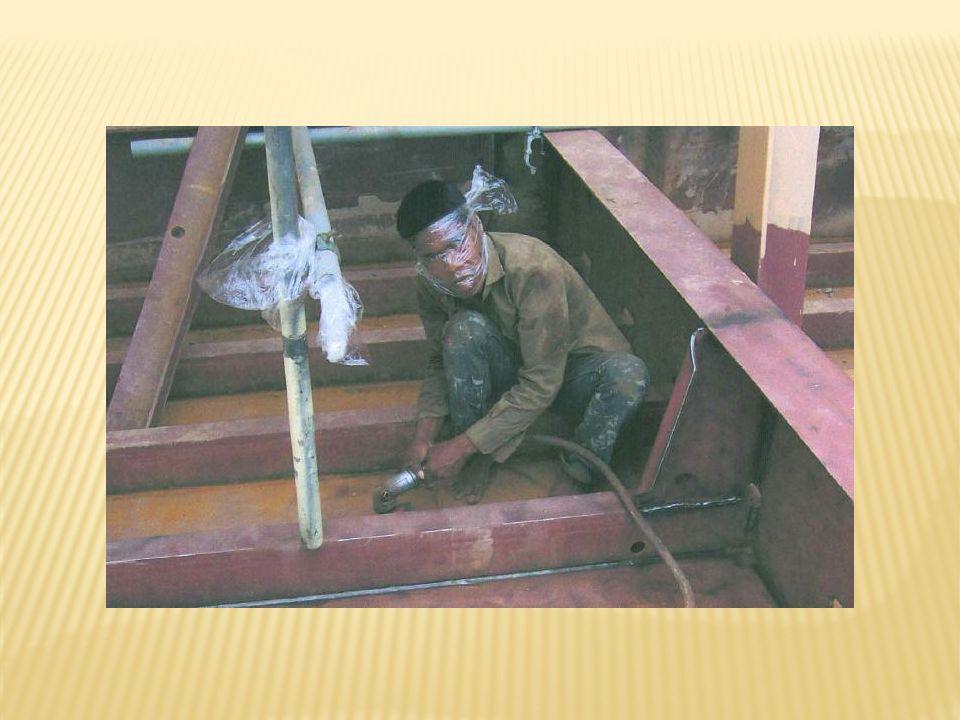 5ème place Lélectricien 5th place The electrician