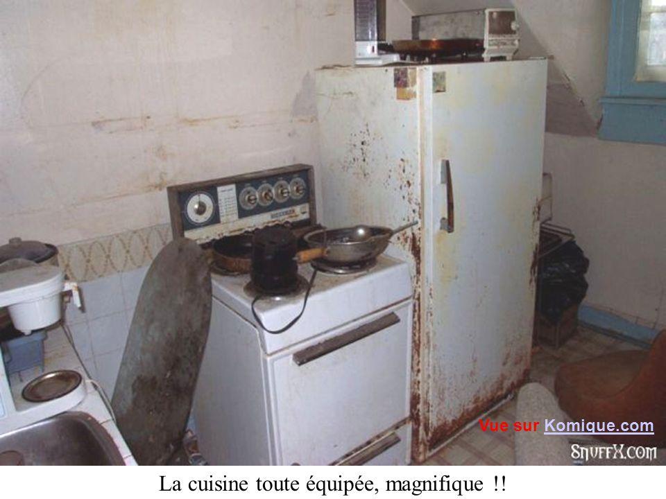 La cuisine toute équipée, magnifique !! Vue sur Komique.comKomique.com