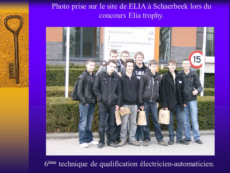 Photo prise sur le site de ELIA à Schaerbeek lors du concours Elia trophy. 6 ème technique de qualification électricien-automaticien.