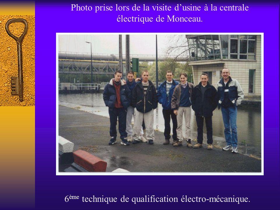Photo prise lors de la visite dusine à la centrale électrique de Monceau. 6 ème technique de qualification électro-mécanique.