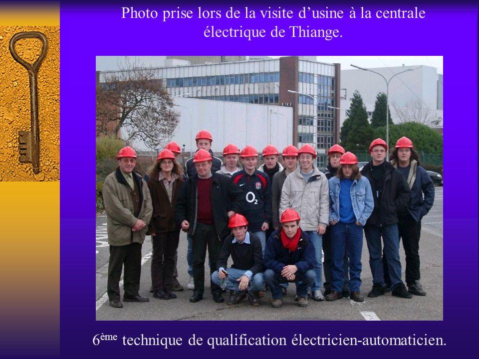 Photo prise lors de la visite dusine à la centrale électrique de Thiange. 6 ème technique de qualification électricien-automaticien.