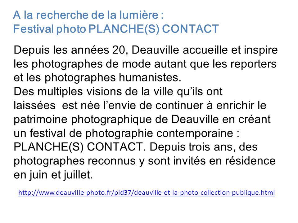 Depuis les années 20, Deauville accueille et inspire les photographes de mode autant que les reporters et les photographes humanistes. Des multiples v