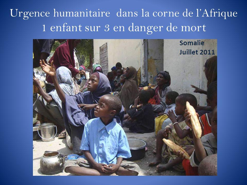 Urgence humanitaire dans la corne de lAfrique 1 enfant sur 3 en danger de mort Somalie Juillet 2011