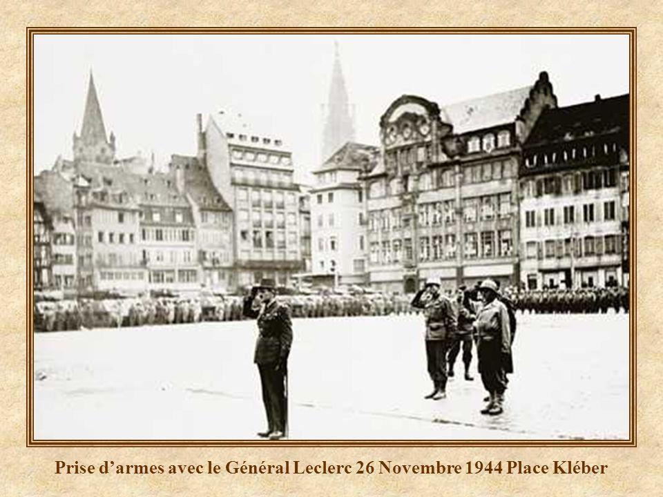 Prise darmes avec le Général Leclerc le 26 Novembre 1944 place Kléber