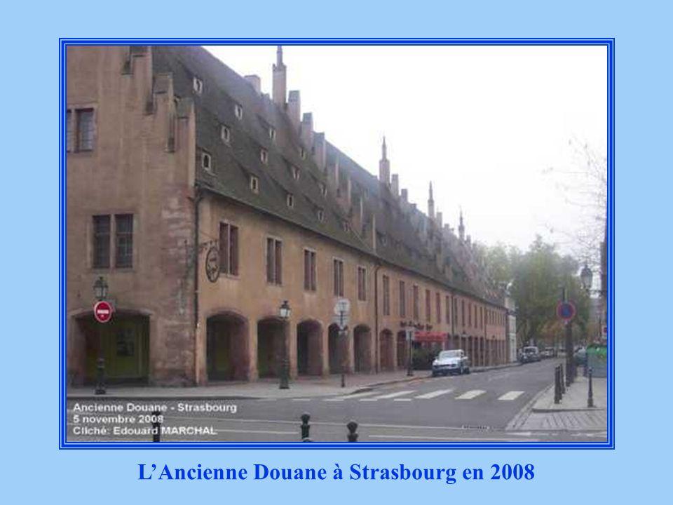 LAncienne Douane à Strasbourg bombardée en 1944