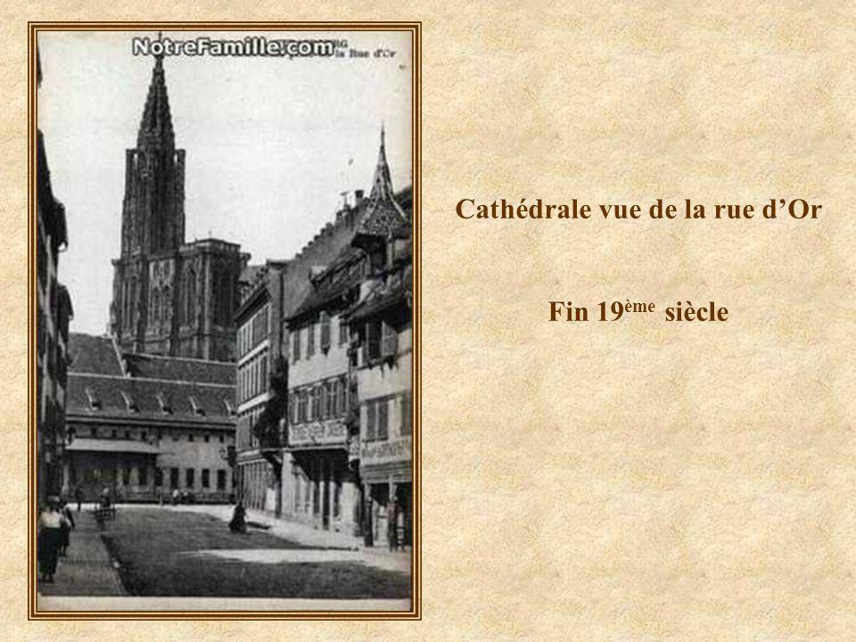 Place de la Cathédrale un dimanche matin 1900