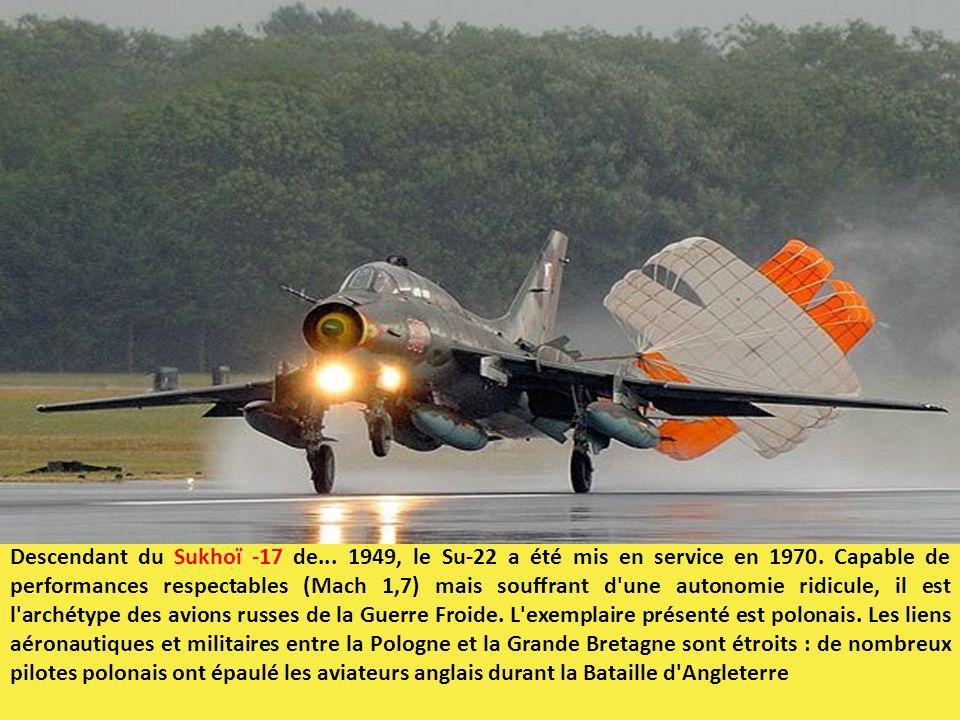 Descendant du Sukhoï -17 de... 1949, le Su-22 a été mis en service en 1970. Capable de performances respectables (Mach 1,7) mais souffrant d'une auton