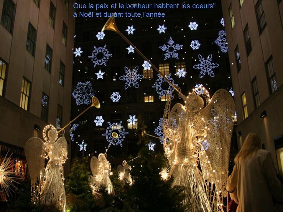 Joyeux Noël Que la magie de Noël Vous apporte joie et gaieté Dans vos foyers. Quelle soit le prélude Dune nouvelle année Emplie de bonheur, de paix Et