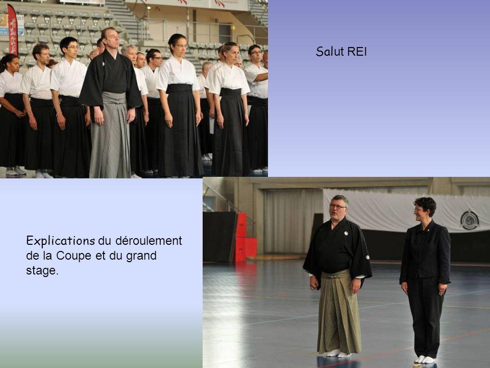 Repos bien mérité…et promotion du kyudo par Christine …