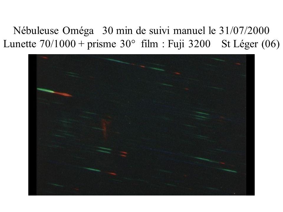 Nébuleuse Oméga 30 min de suivi manuel le 31/07/2000 Lunette 70/1000 + prisme 30° film : Fuji 3200 St Léger (06)