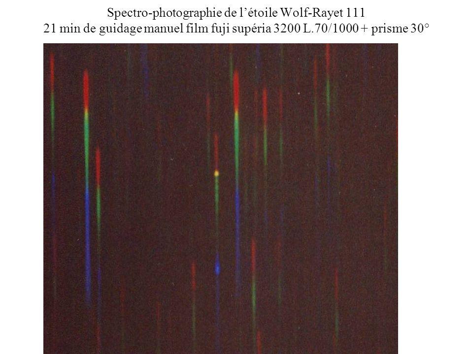 Spectro-photographie de létoile Wolf-Rayet 111 21 min de guidage manuel film fuji supéria 3200 L.70/1000 + prisme 30°