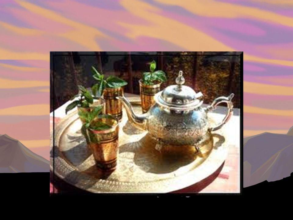 Quelle boisson est associée avec le Maroc.