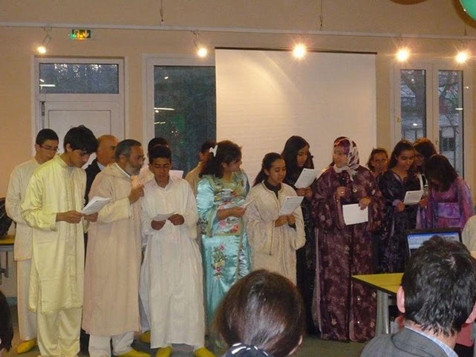 J EUDI 1 AVRIL Cette journée commença par le cours dhistoire, mais cette fois au lieu dapprendre lhistoire française, nous avons décidé déclairer les élèves français sur lhistoire marocaine et vice-versa.