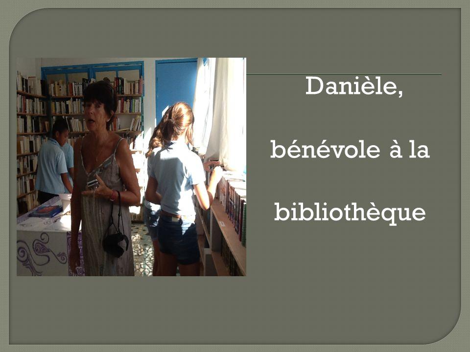 Danièle, bénévole à la bibliothèque