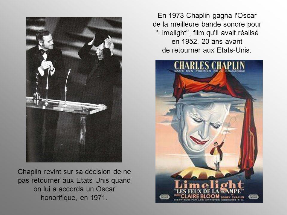 Le 17 septembre 1952, le Secrétaire d'état aux Finances des Etats-Unis donna instructions aux Services de l'immigration pour retenir Chaplin, son épou