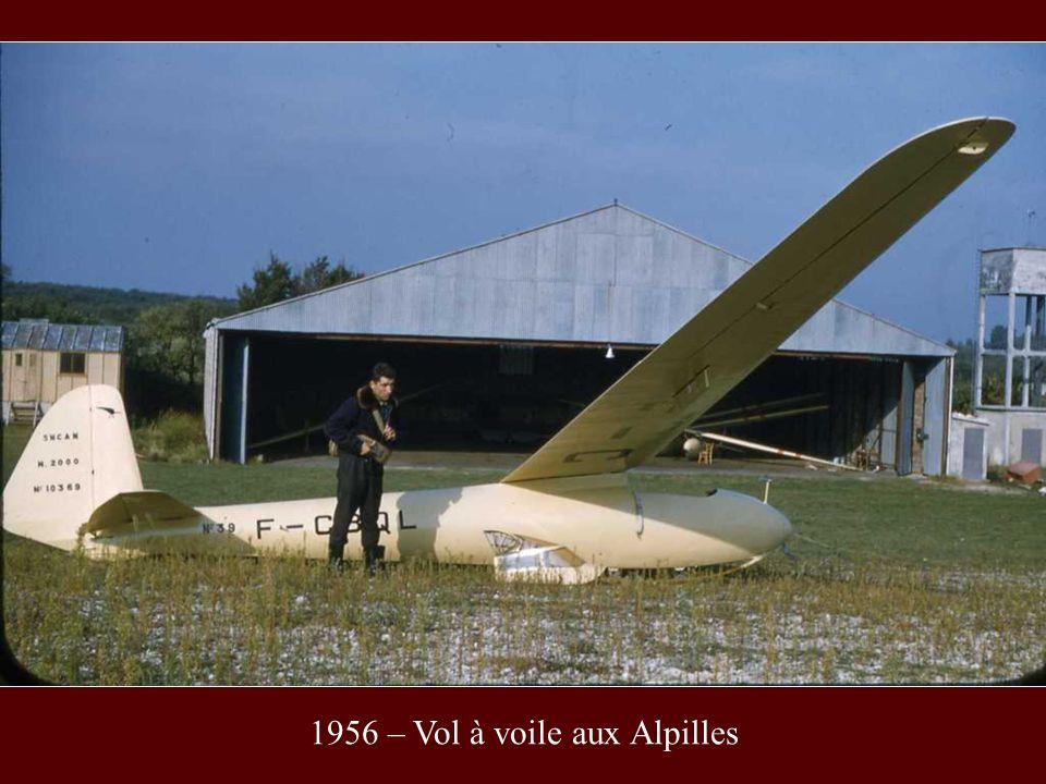 1956 – Vol à voile aux Alpilles