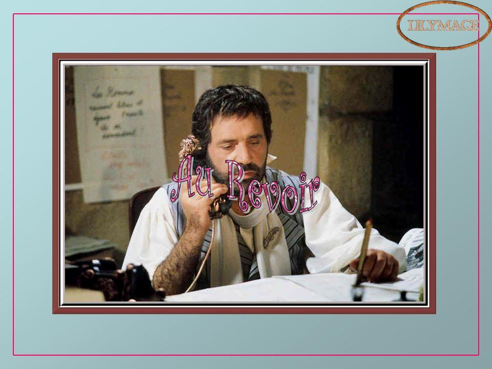 Mots dauteurs pris dans le livre de Jean Yanne : On narrête pas la Connerie. Photos prises sur Net. Informations : Wikipédia. Musique : La valse des a