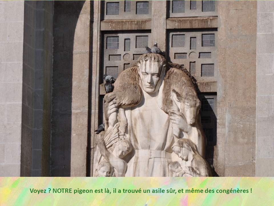L'église de Bouvron, dédiée au Bon Pasteur, s'orne d'une immen- se statue sur sa façade, représen- tant, bien sûr… le Bon Pasteur ! Il est entouré d'e