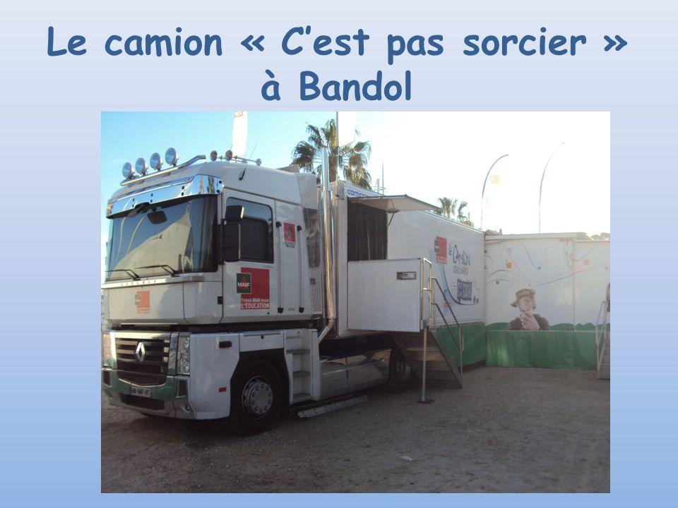 Le camion « Cest pas sorcier » à Bandol